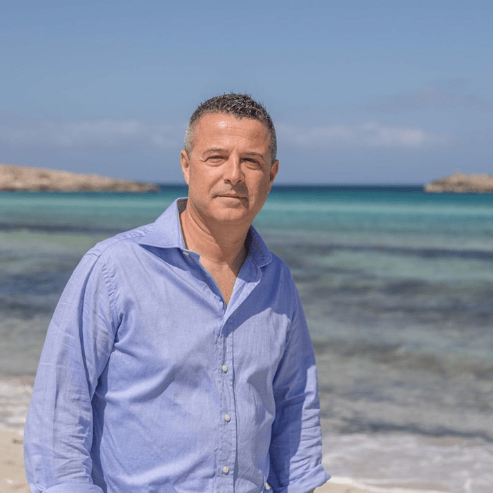 Nuevo asociado Giuseppe Vulpis. Subdirector Club Punta Prima. Formentera (Baleares)
