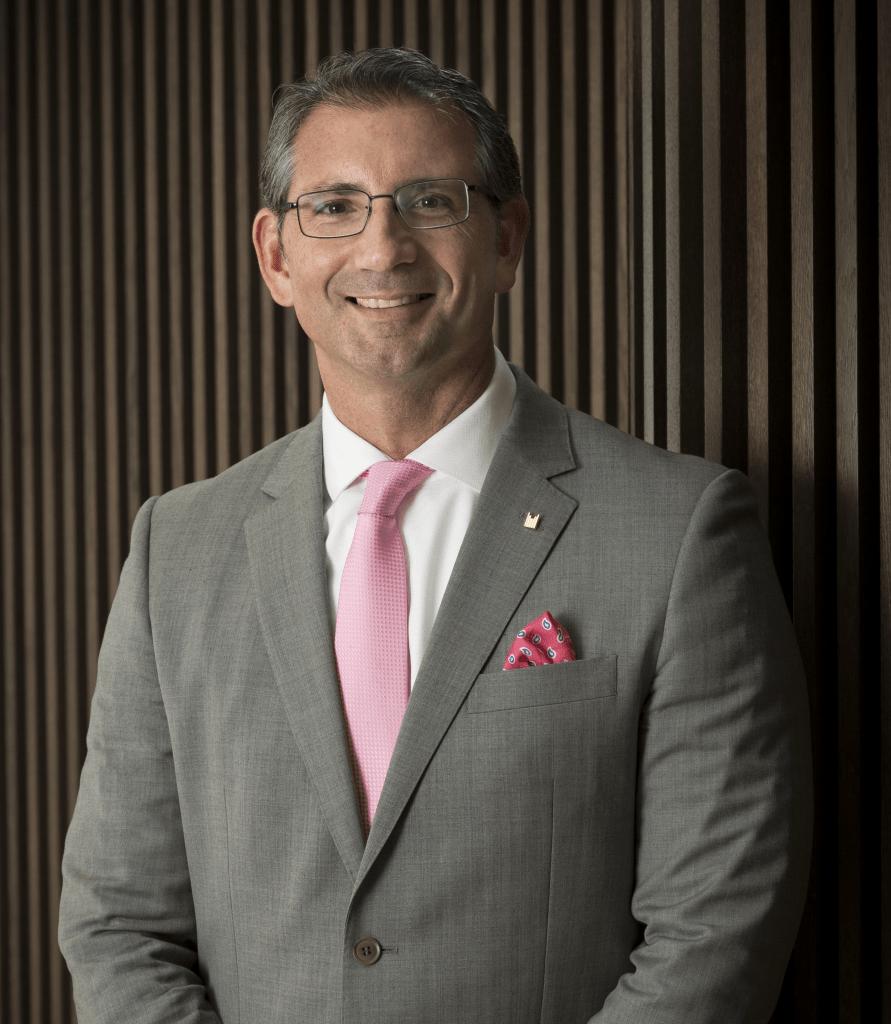 Nuevo asociado Manuel Angel Garcia Tejero. Millennium Place Dubai Marina. Delegado Aedh en Emiratos